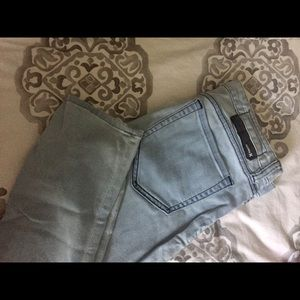 Super cute light wash jeans! HURLEY brand!